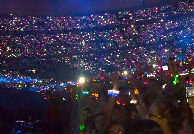Le groupe Coldplay fait scintiller ses fans !